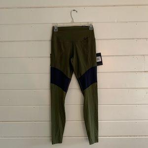 Nike Athletic Leggings Size xs